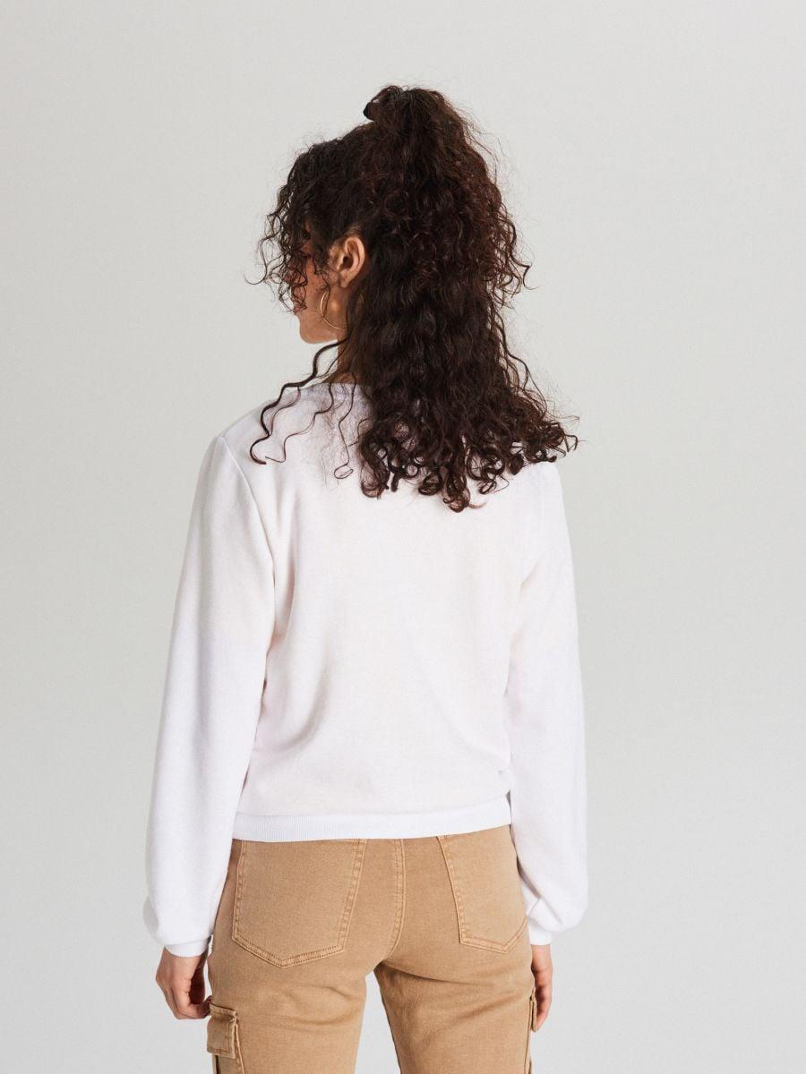 Krótka bluza z fotonadrukiem - BEŻOWY - WE189-08X - Cropp - 4