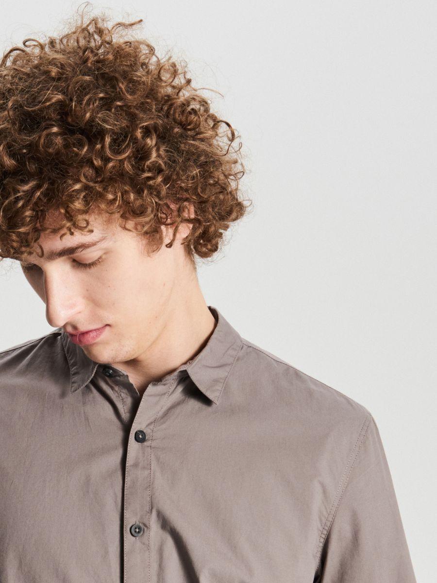 Gładka koszula slim - JASNY SZARY - WE364-09X - Cropp - 2