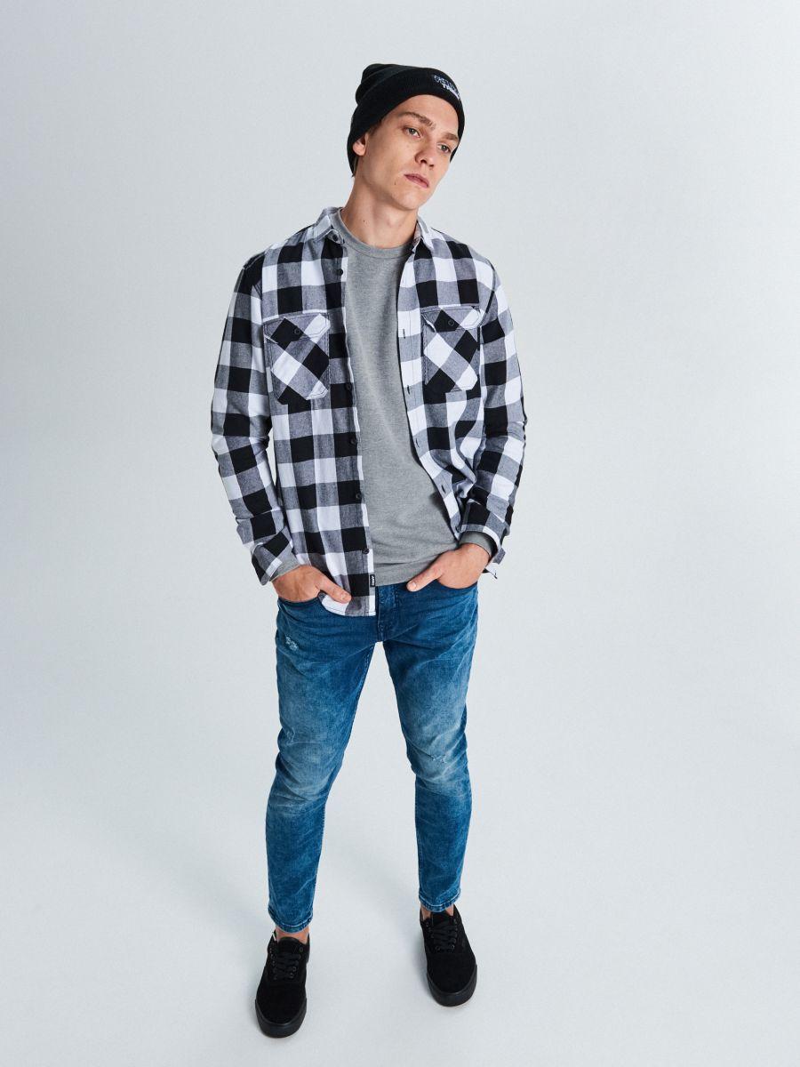 Koszula w kratę - CZARNY - WE365-99X - Cropp - 2