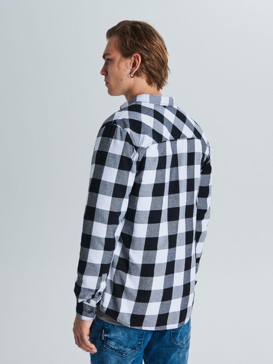 Koszula w kratę - CZARNY - WE365-99X - Cropp - 4