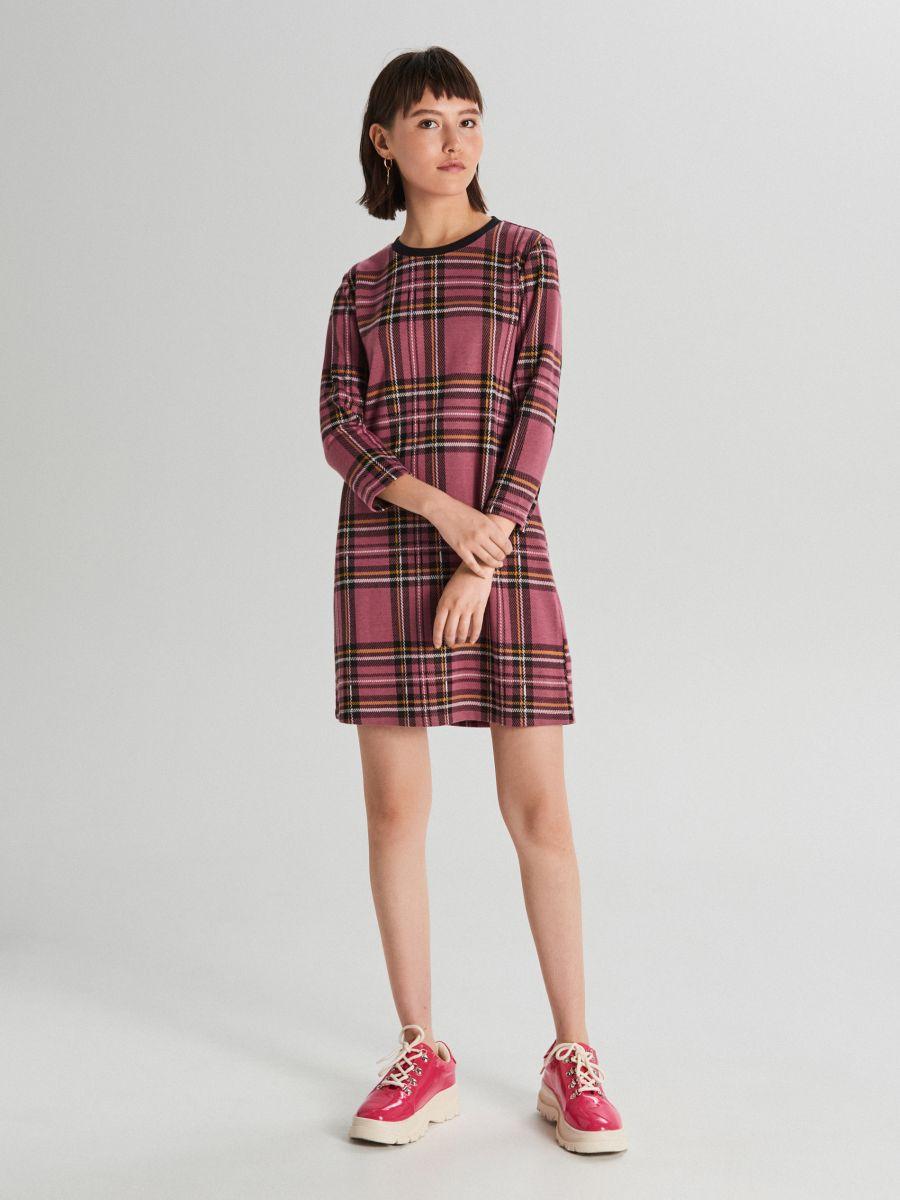 Sukienka w kratę - FIOLETOWY - WF670-34X - Cropp - 1
