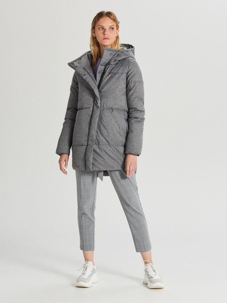 Pikowana kurtka z kapturem - JASNY SZARY - WG285-09X - Cropp - 4
