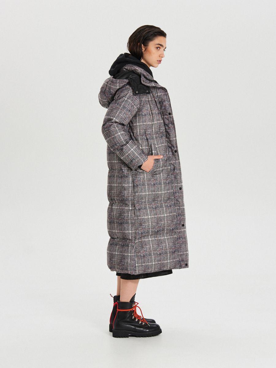 Zimowy płaszcz z kapturem w kratę - WIELOBARWNY - WG299-MLC - Cropp - 4