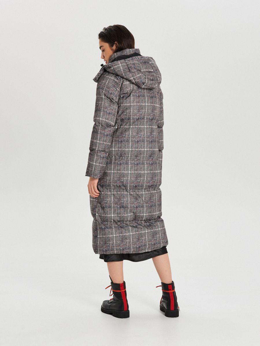 Zimowy płaszcz z kapturem w kratę - WIELOBARWNY - WG299-MLC - Cropp - 8