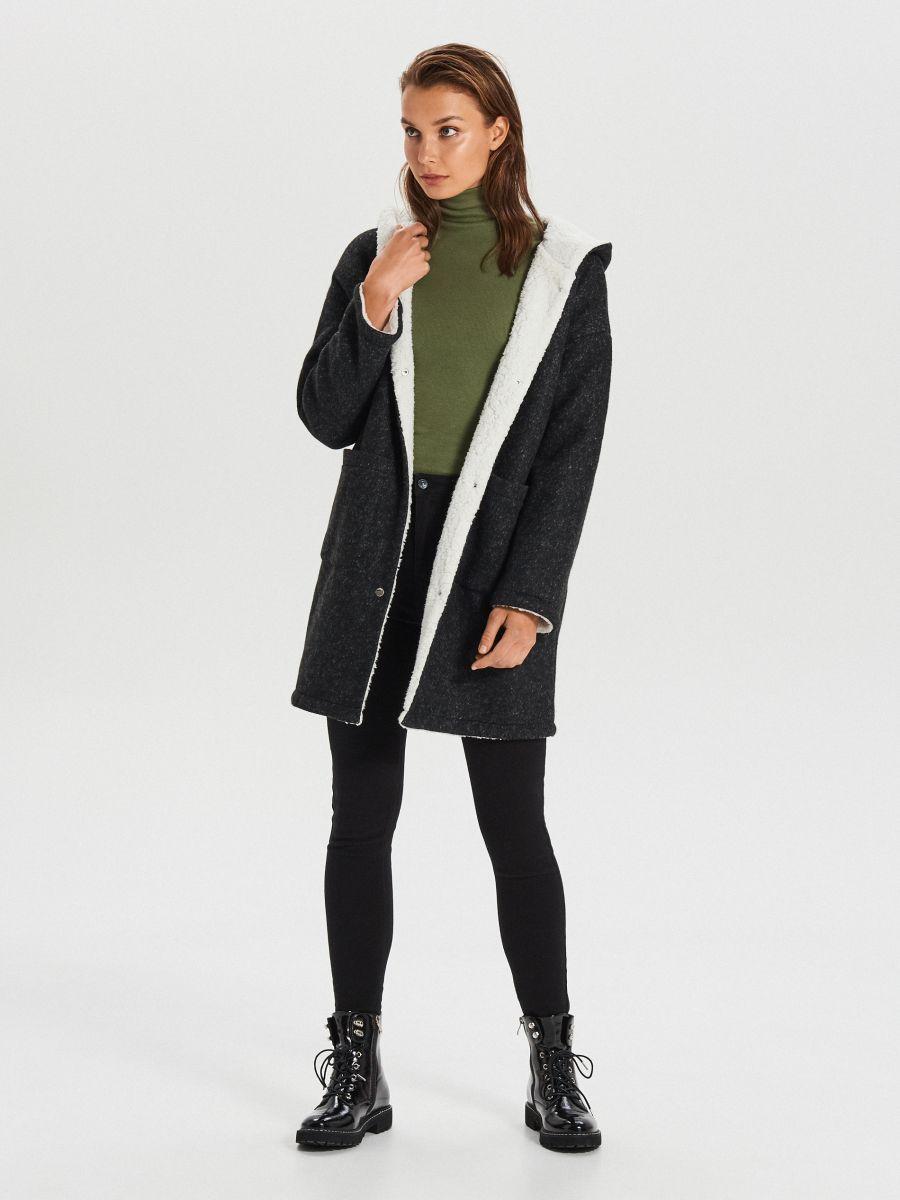 Dłuższy płaszcz z kapturem - SZARY - WG310-90M - Cropp - 2