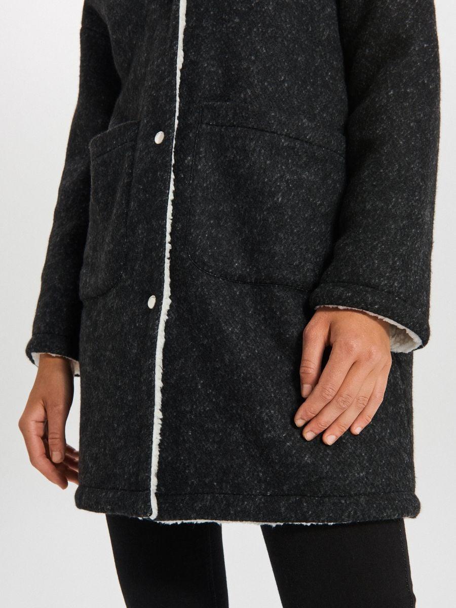 Dłuższy płaszcz z kapturem - SZARY - WG310-90M - Cropp - 4