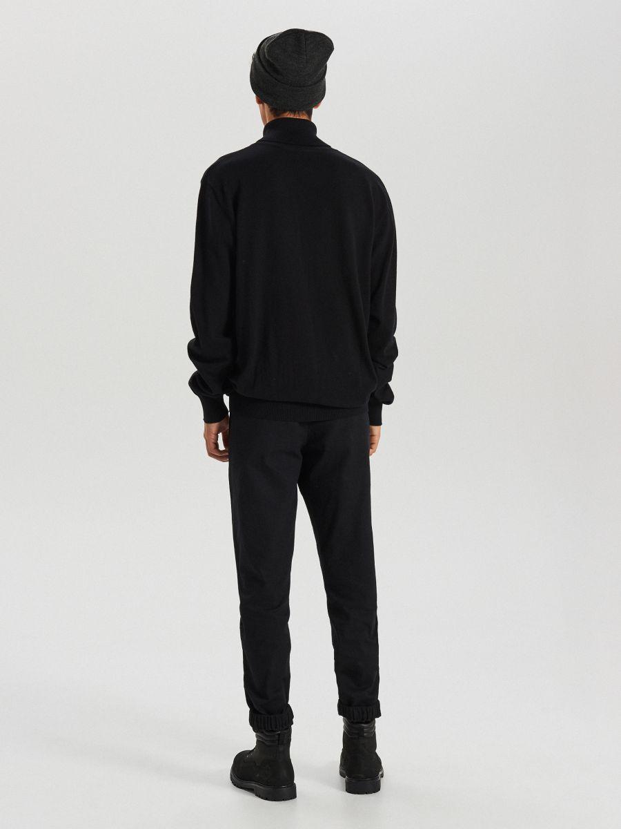Sweter z golfem - CZARNY - WG357-99X - Cropp - 5