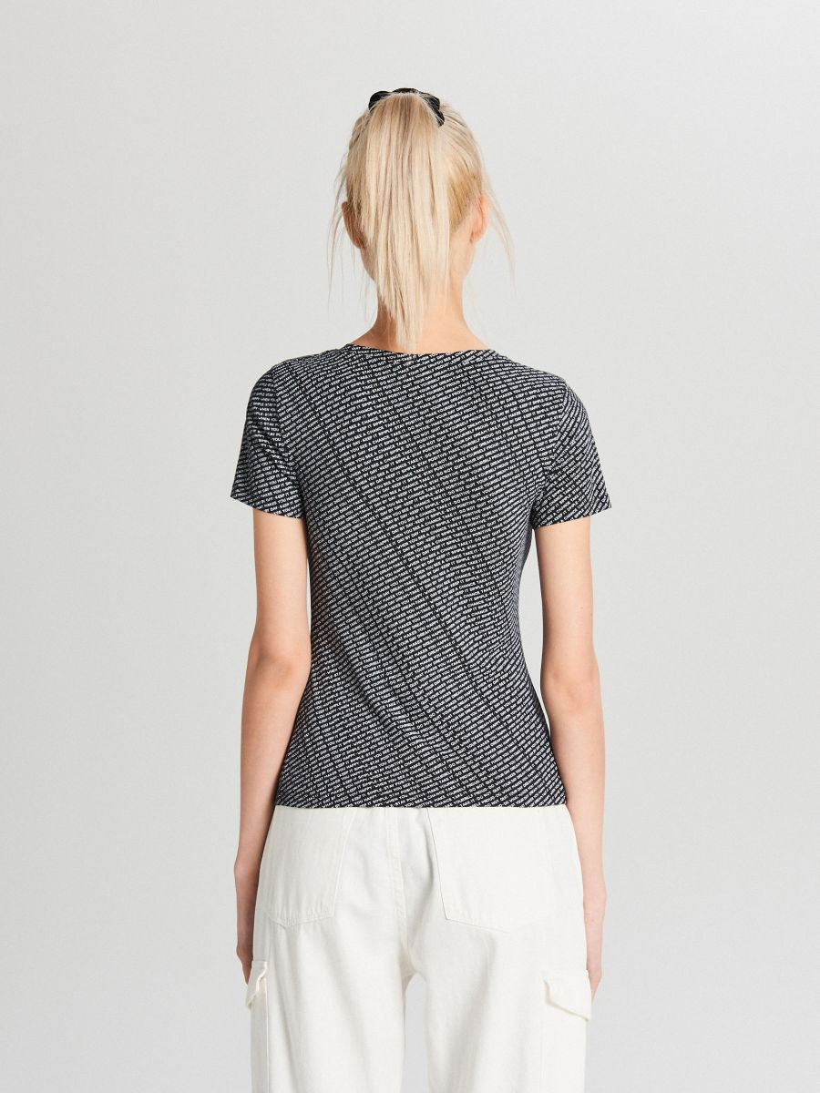 Koszulka z dekoltem - FIOLETOWY - WH185-49X - Cropp - 3