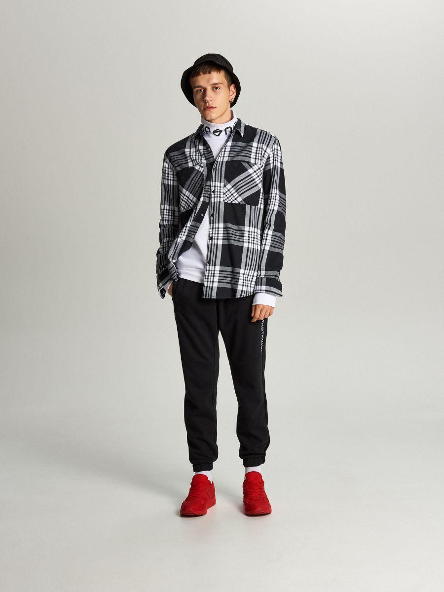 Koszula w kratę - CZARNY - WI205-99X - Cropp - 2