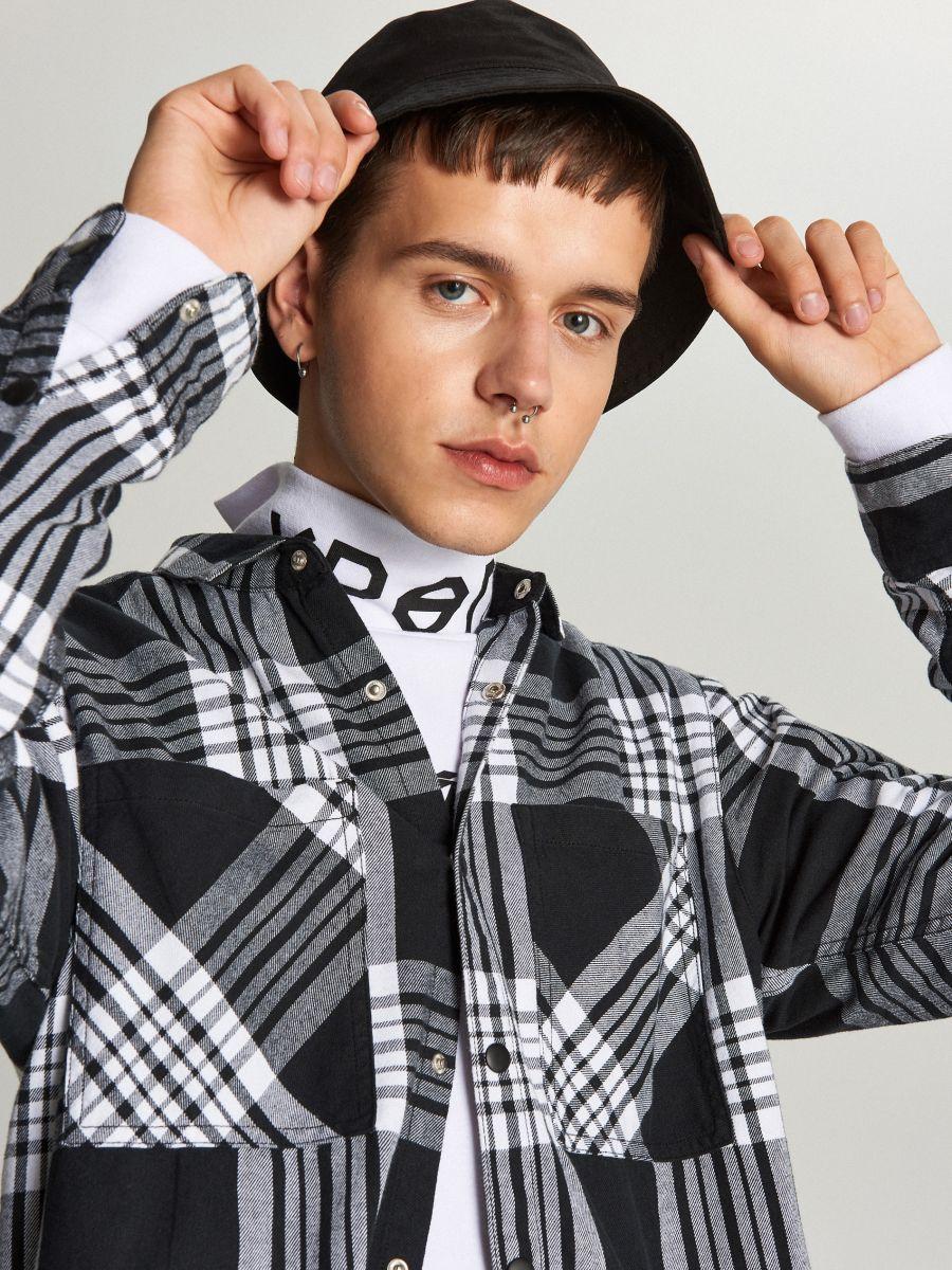 Koszula w kratę - CZARNY - WI205-99X - Cropp - 4