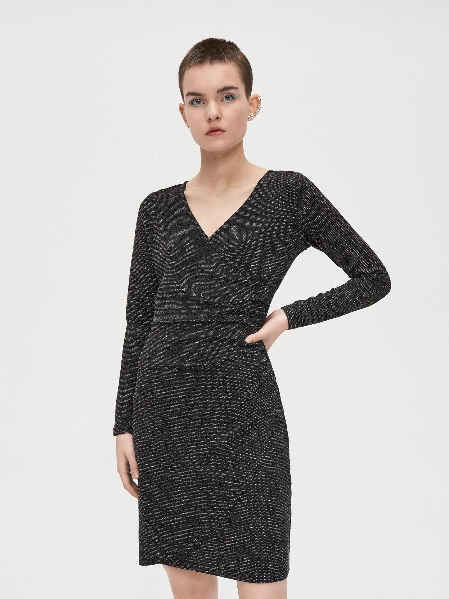 Sukienka z kopertowym dekoltem - CZARNY - WQ038-99X - Cropp - 2