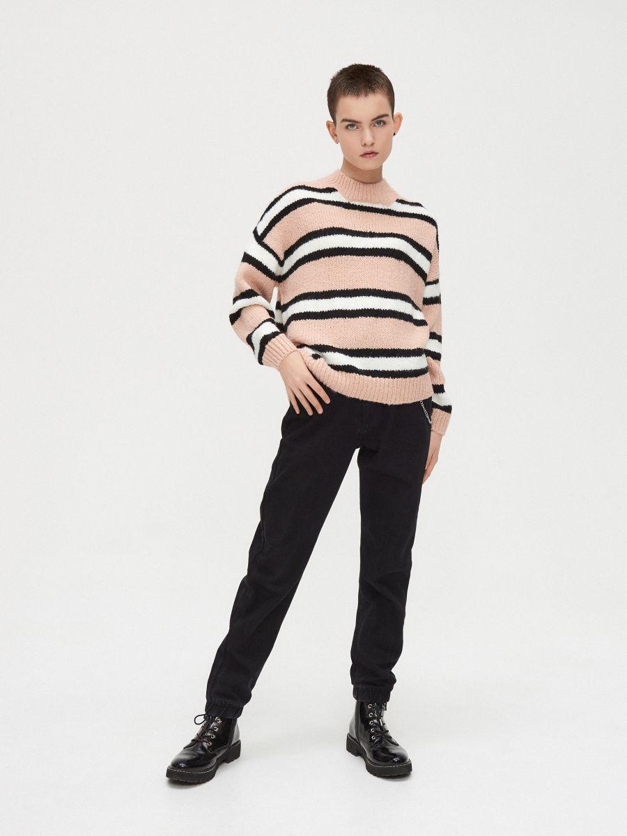 Gruby sweter oversize - RÓŻOWY - WR730-03X - Cropp - 2