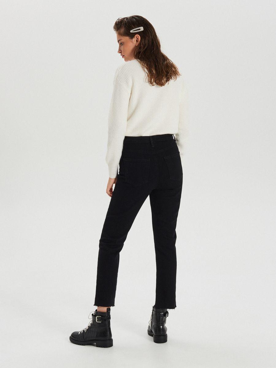 Jeansy high waist z rozcięciami - CZARNY - WT533-99J - Cropp - 5