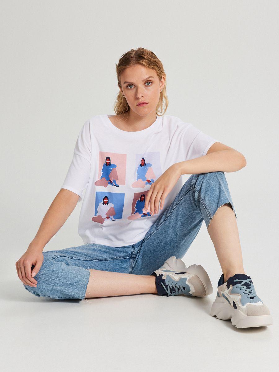 Koszulka z grafiką - BIAŁY - XB122-00X - Cropp - 2