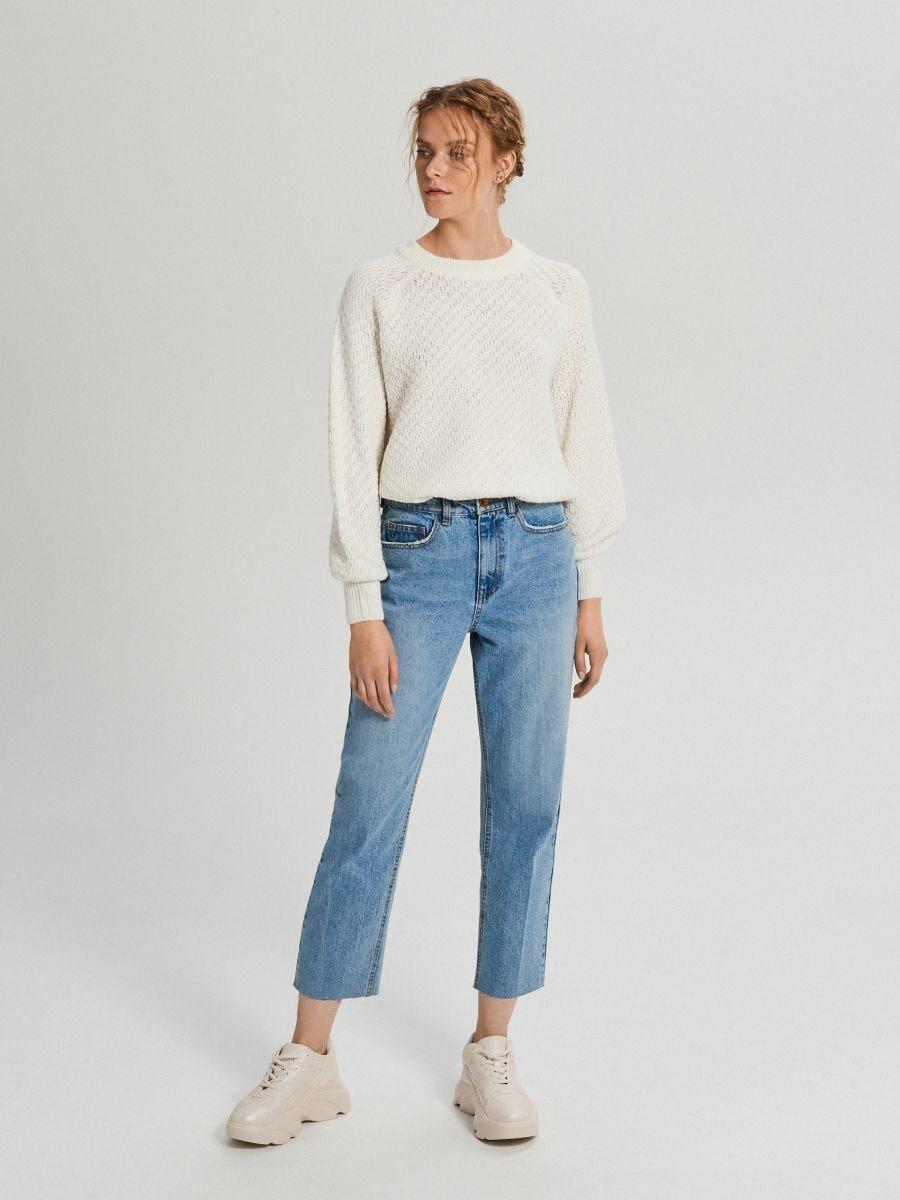Sweter z ozdobnym splotem - KREMOWY - XG556-01X - Cropp - 2