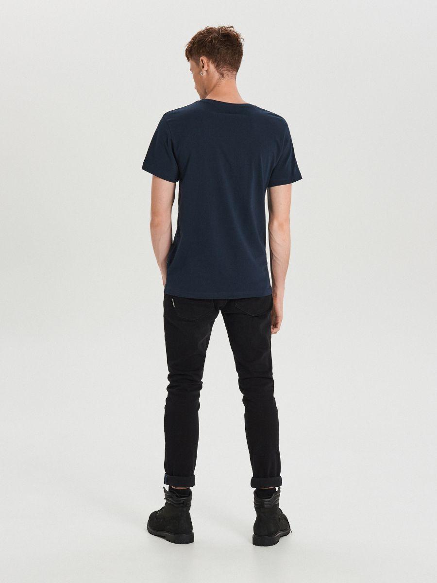 Koszulka z nadrukiem - GRANATOWY - XH481-59X - Cropp - 4