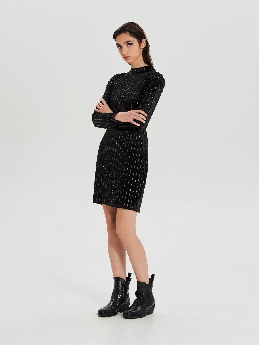 Dopasowana sukienka z brokatową aplikacją - CZARNY - XI748-99X - Cropp - 1