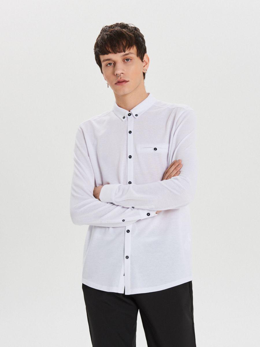 Gładka koszula o kroju slim - BIAŁY - XK015-00X - Cropp - 1