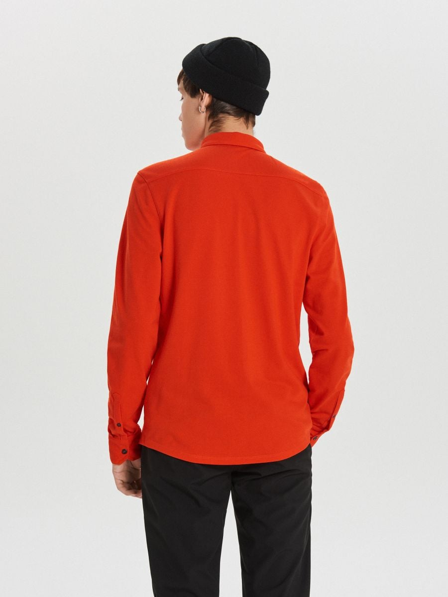 Gładka koszula o kroju slim - CZERWONY - XK015-33X - Cropp - 5
