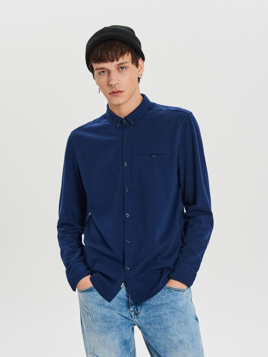 Gładka koszula o kroju slim - GRANATOWY - XK015-59X - Cropp - 1