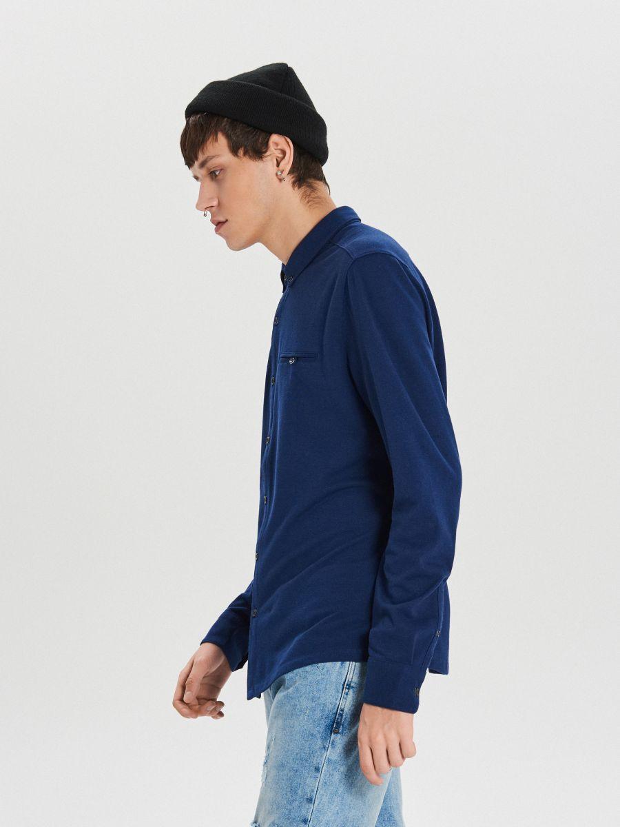 Gładka koszula o kroju slim - GRANATOWY - XK015-59X - Cropp - 4