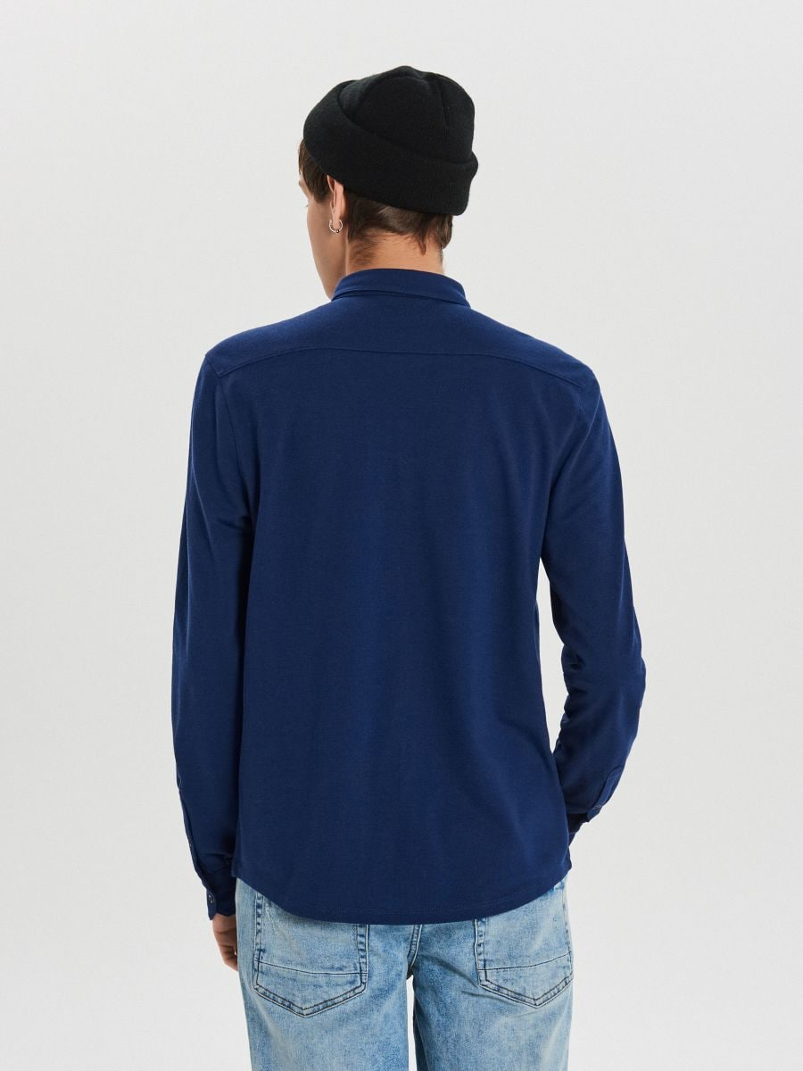 Gładka koszula o kroju slim - GRANATOWY - XK015-59X - Cropp - 5
