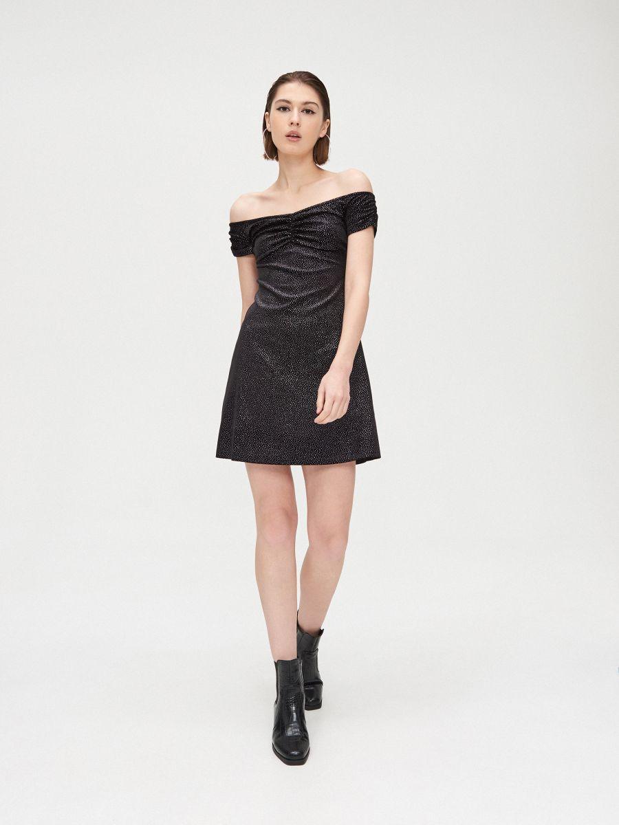 Sukienka bardotka z odkrytymi ramionami - CZARNY - XK656-99X - Cropp - 3