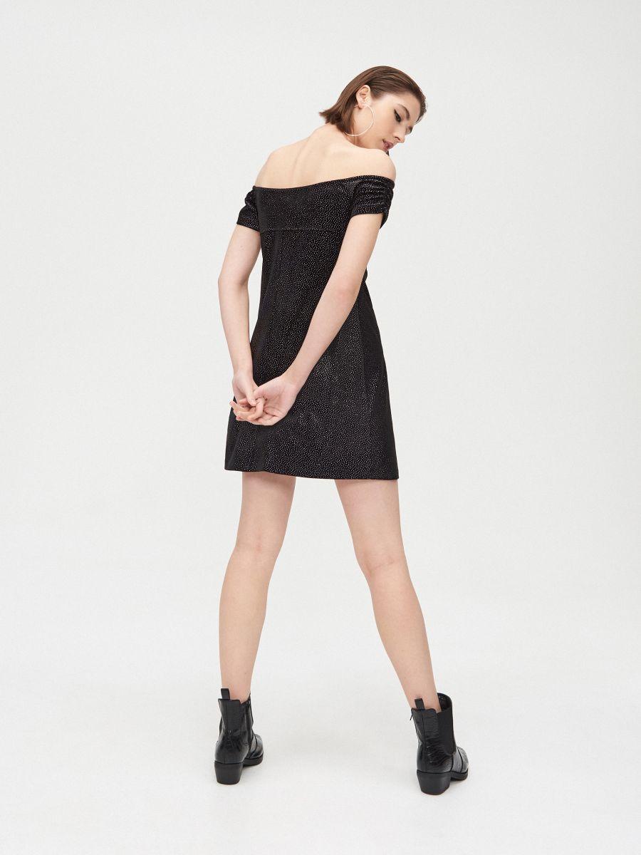 Sukienka bardotka z odkrytymi ramionami - CZARNY - XK656-99X - Cropp - 4