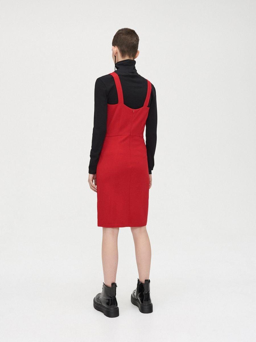 Sukienka z wycięciem przy dekolcie - CZERWONY - XK657-33X - Cropp - 5