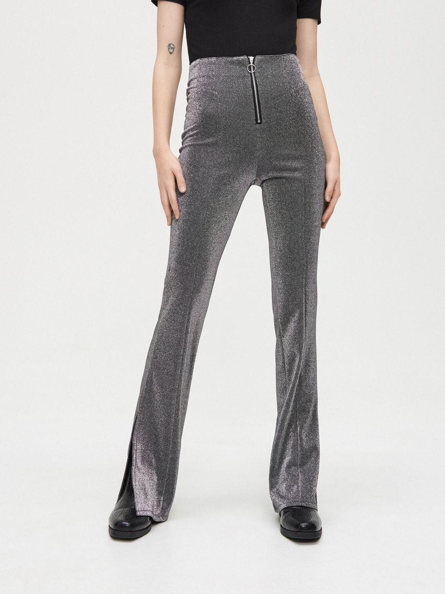 Spodnie z rozcięciami przy nogawkach - JASNY SZARY - XK973-09X - Cropp - 2
