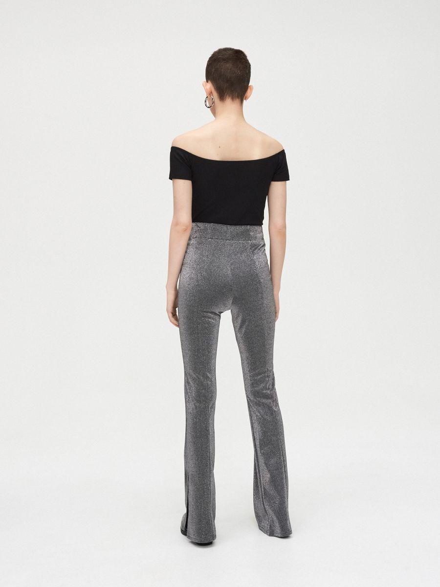 Spodnie z rozcięciami przy nogawkach - JASNY SZARY - XK973-09X - Cropp - 5