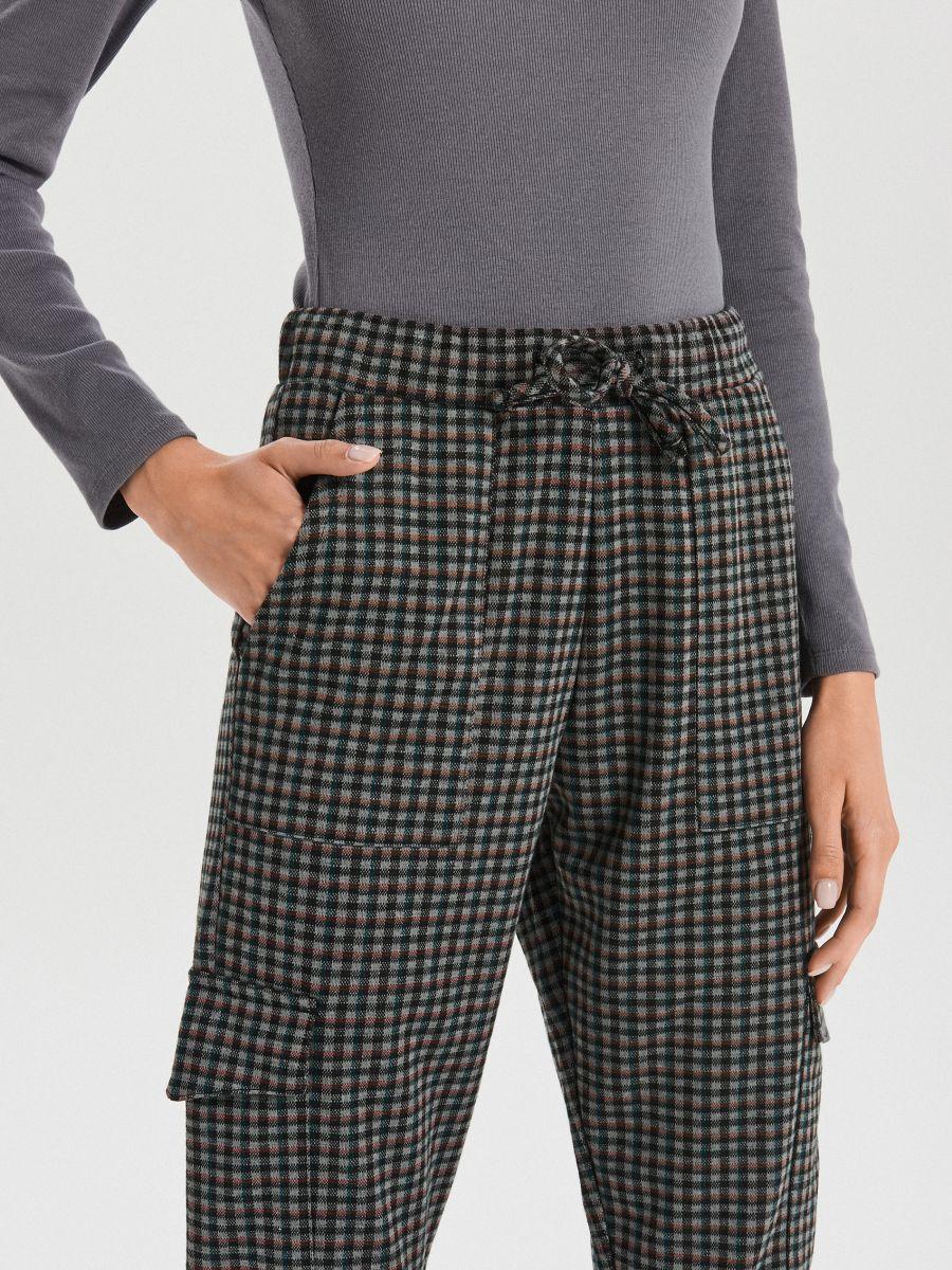 Spodnie jogger w drobną kratkę - KHAKI - XO709-78X - Cropp - 4