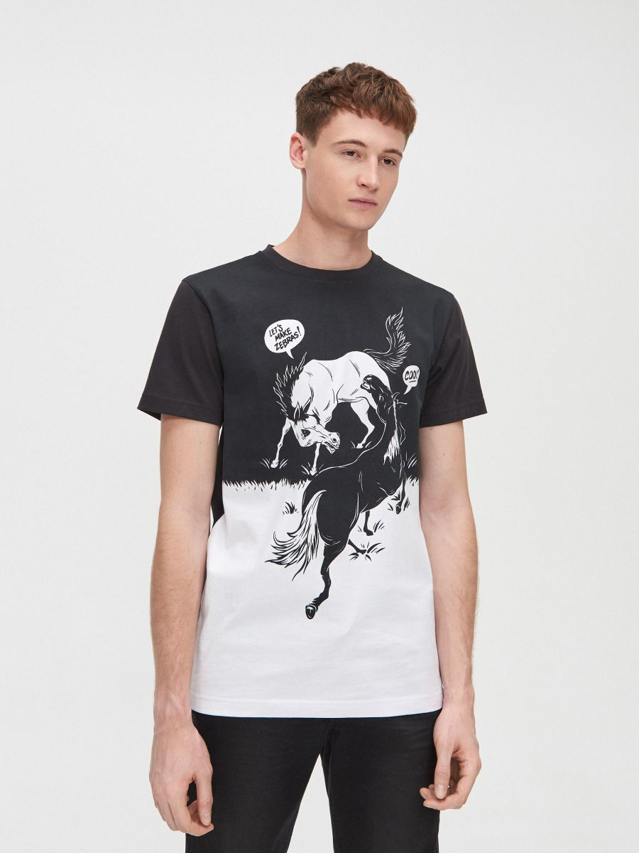 Koszulka z kontrastowym water printem - CZARNY - XP556-99X - Cropp - 1