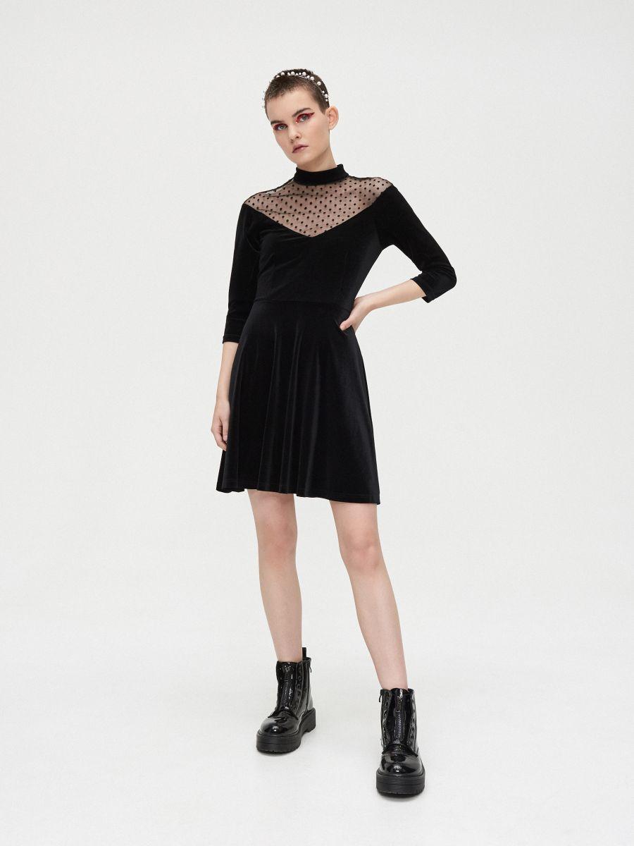 Sukienka mini z meshowym dekoltem - CZARNY - XQ364-99X - Cropp - 3