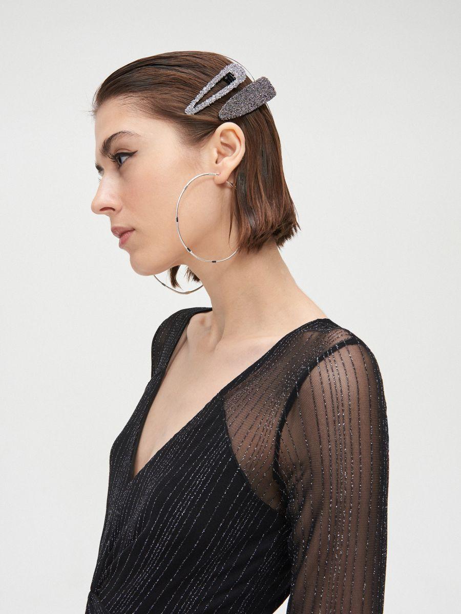Sukienka mini z metalizowaną nitką - CZARNY - XQ368-99X - Cropp - 5