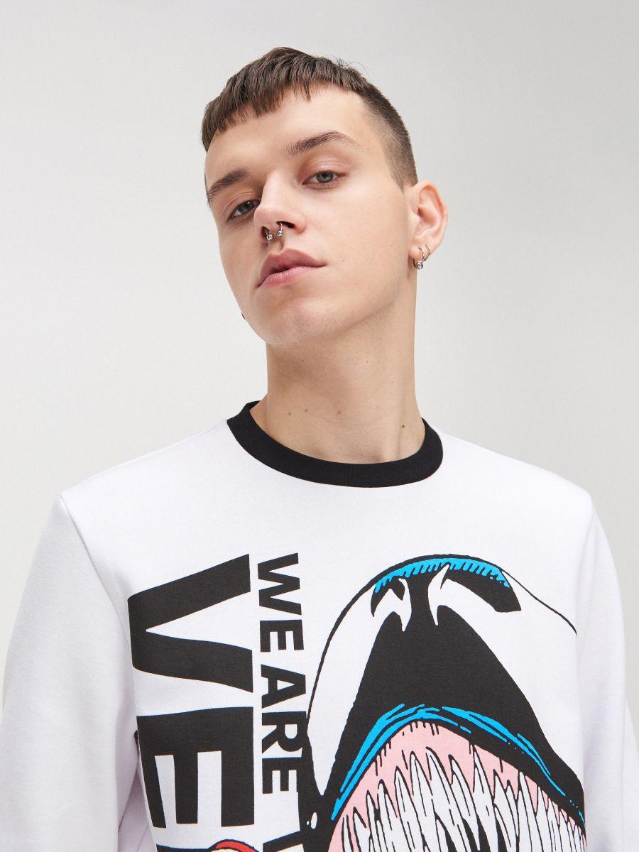 Koszulka Venom - BIAŁY - XW461-00X - Cropp - 2