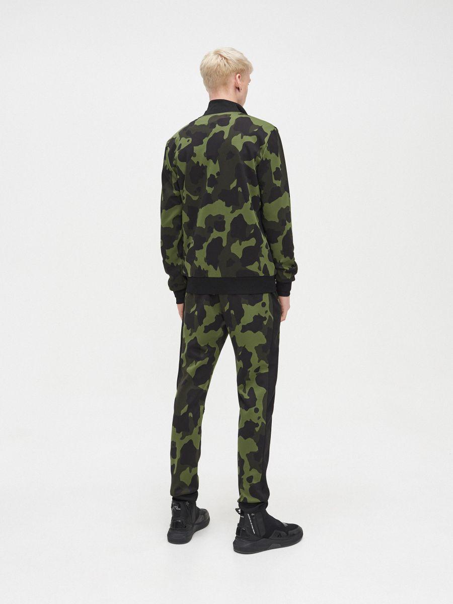 Bluza z wysokim kołnierzem  - KHAKI - YB730-87X - Cropp - 4