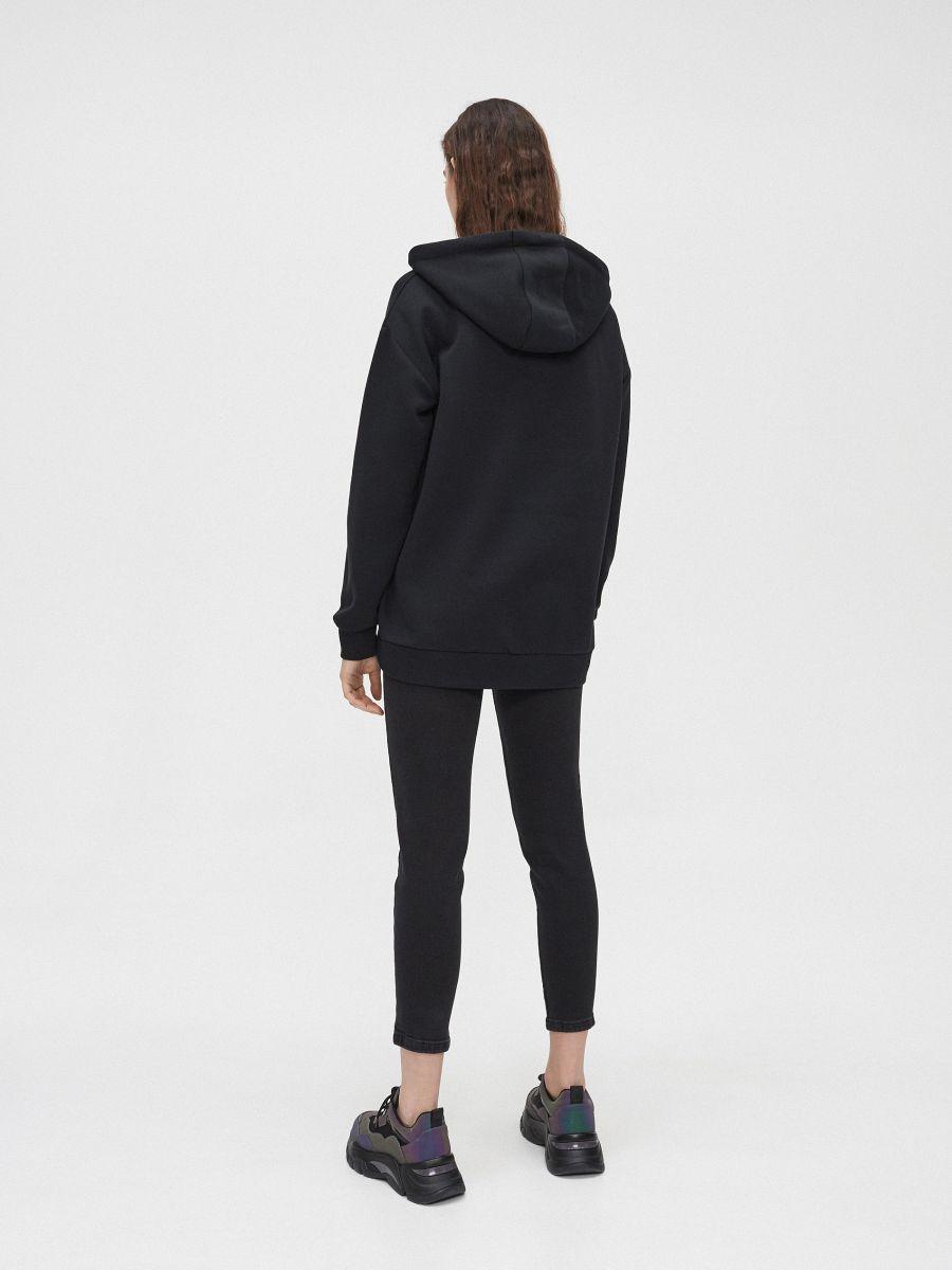 Bluza oversize z nadrukiem  - CZARNY - YC562-99X - Cropp - 4