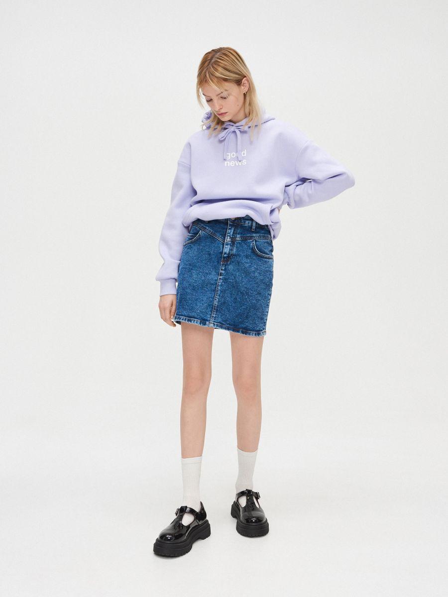 Bluza z napisem - FIOLETOWY - YC567-04X - Cropp - 1