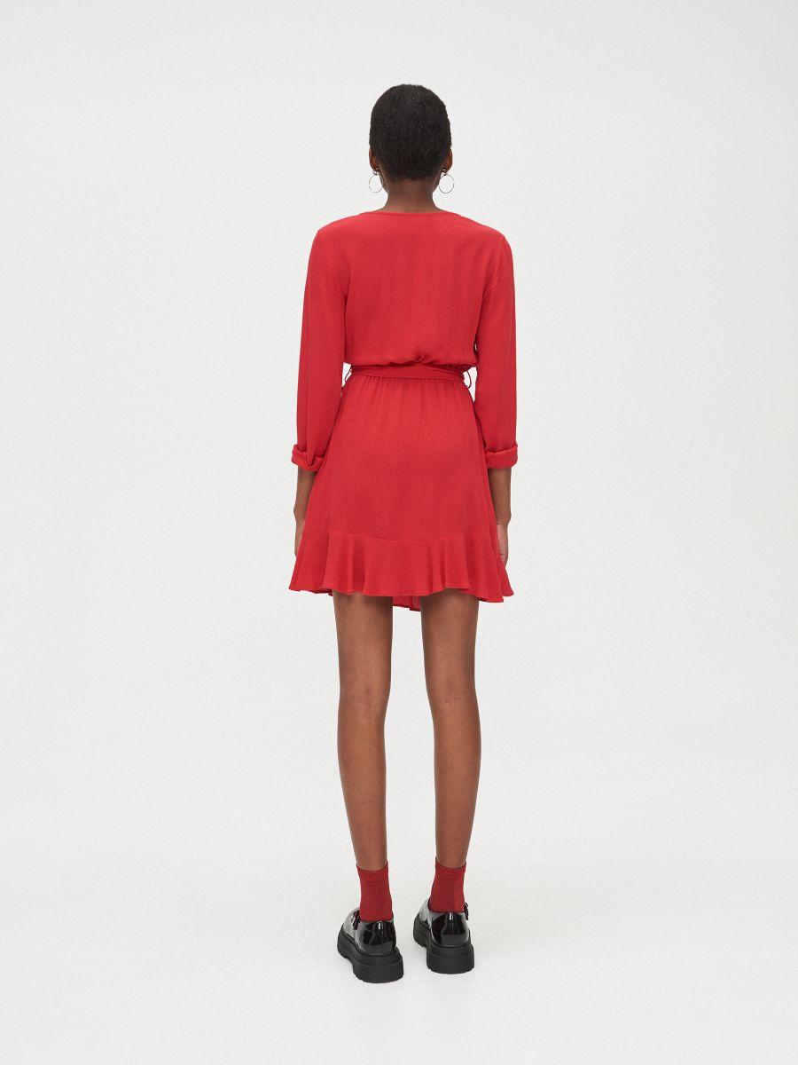 Kopertowa sukienka z wiskozy - CZERWONY - YD418-33X - Cropp - 4