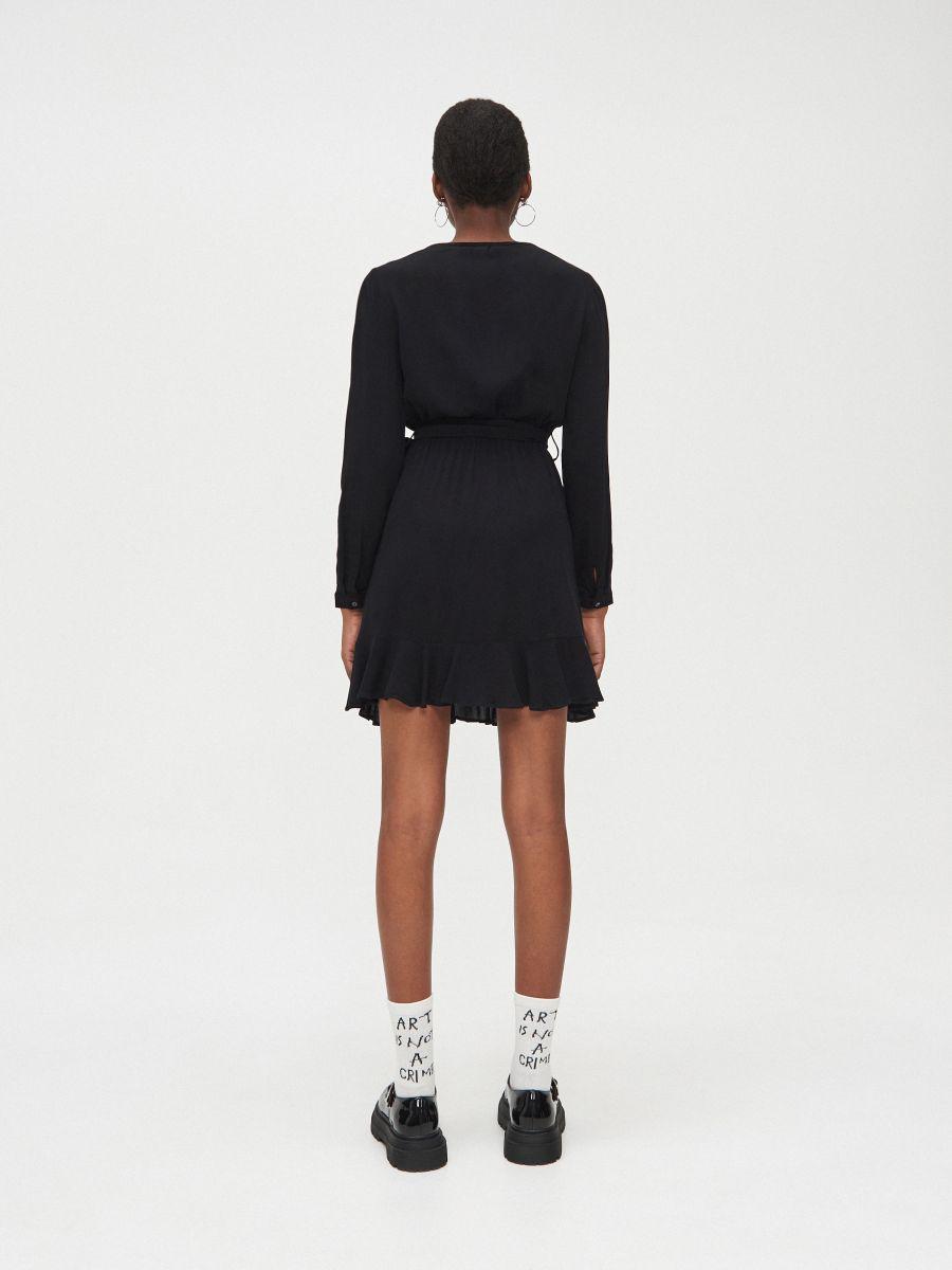Kopertowa sukienka z wiskozy - CZARNY - YD418-99X - Cropp - 4