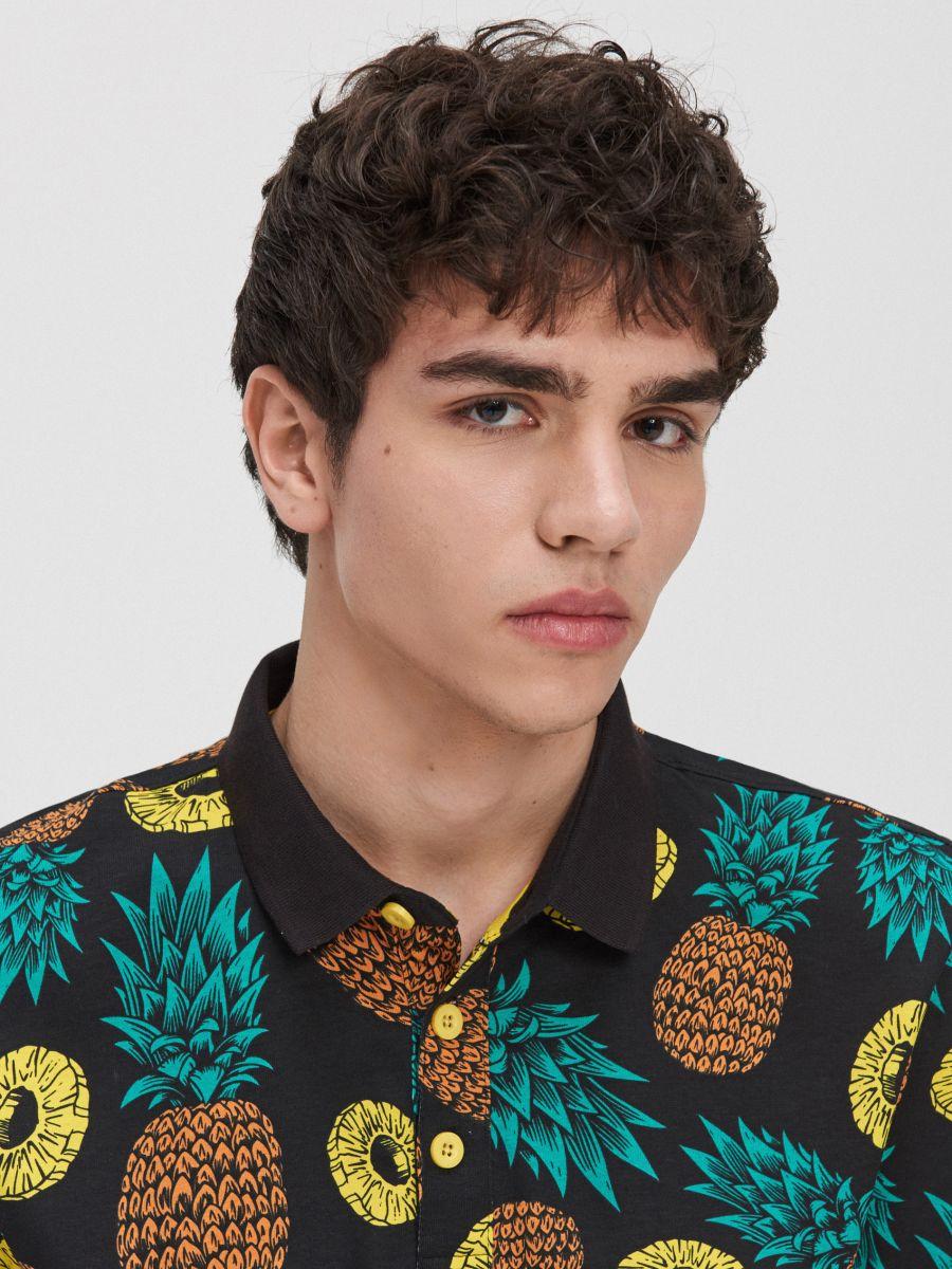Koszulka polo w ananasy - BIAŁY - YD672-00X - Cropp - 2