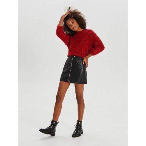 Puszysty sweter oversize