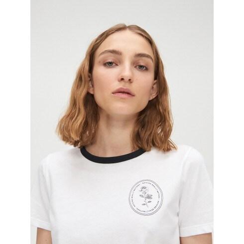 Koszulka z kontrastową lamówką