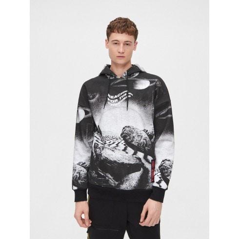 Bluza z kontrastowym nadrukiem