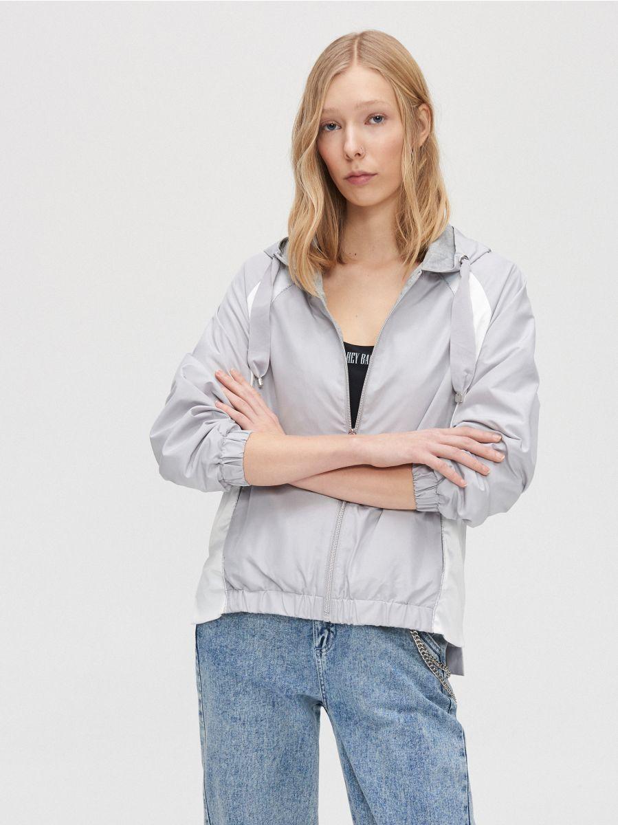 Легкая куртка с капюшоном - светло-серый - XL601-09X - Cropp - 2