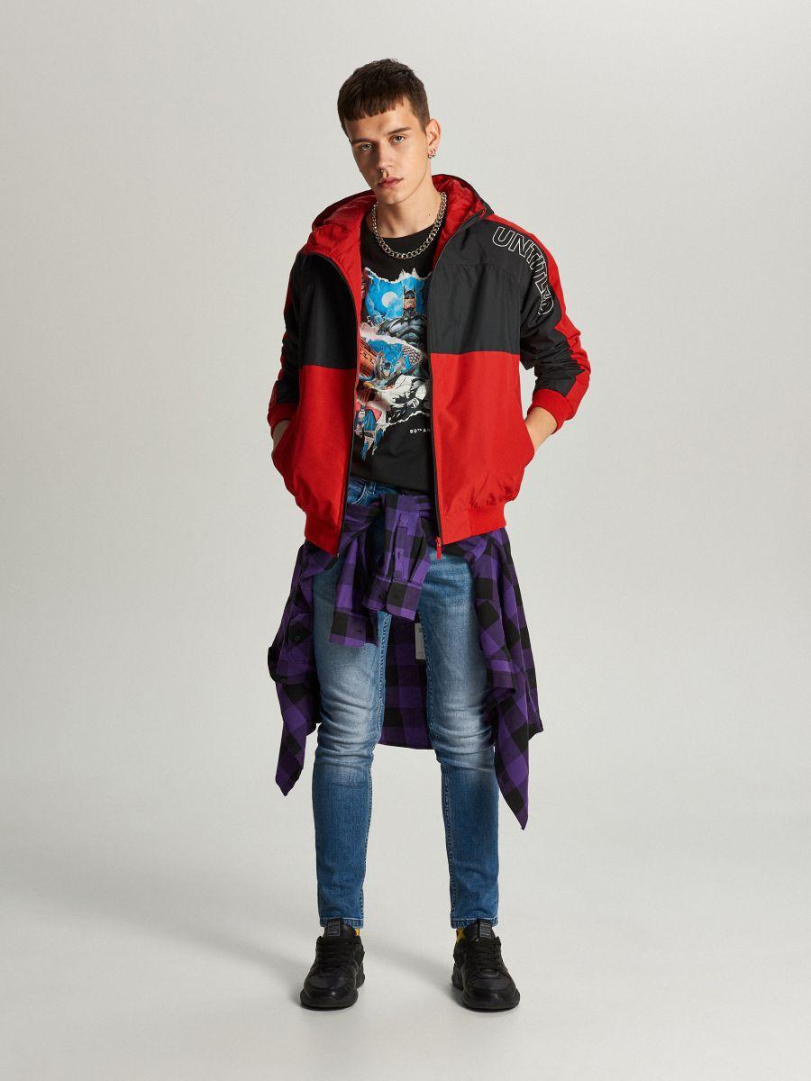 Легкая куртка с капюшоном - красный - VW259-33X - Cropp - 2