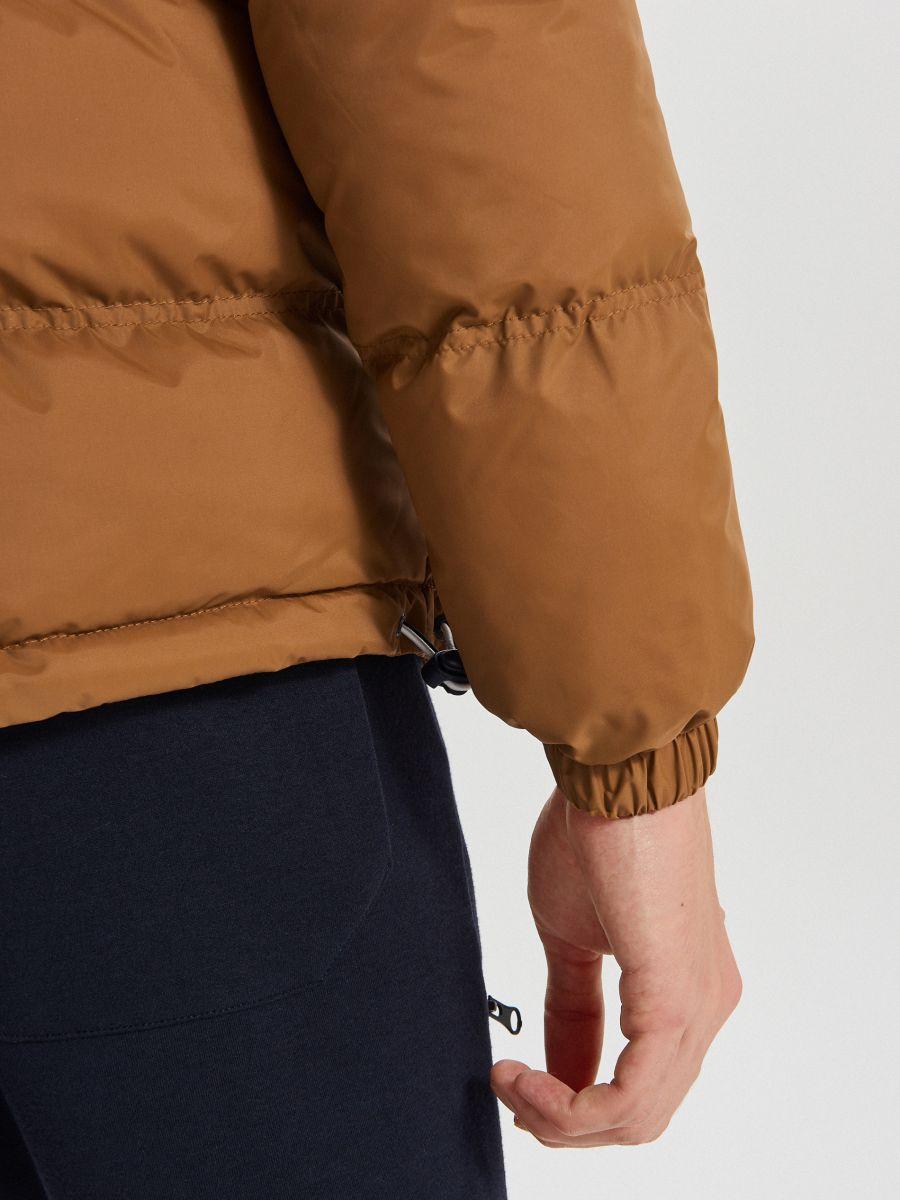 Зимняя куртка с контрастными вставками - коричневый - WC155-82X - Cropp - 6
