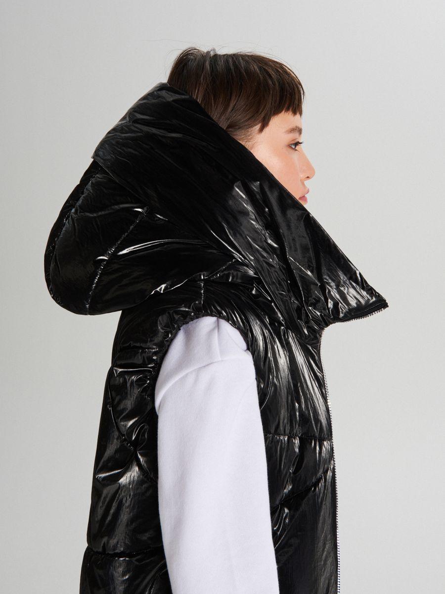Удлиненный жилет из ткани с виниловым покрытием - черный - WG291-99X - Cropp - 2