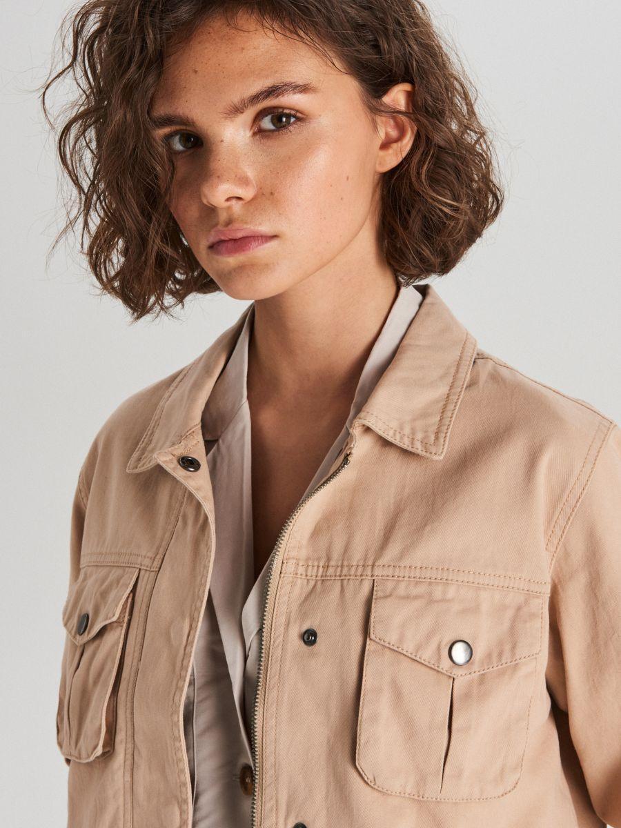 Куртка с карманами - бежевый - WG327-08X - Cropp - 3